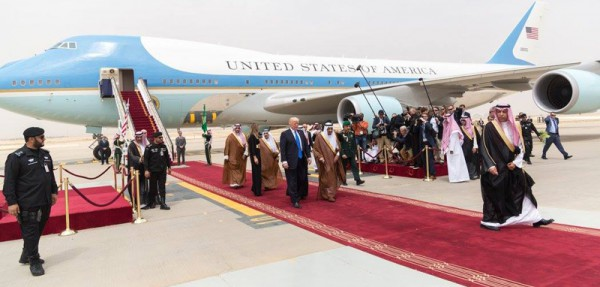 President Donald Trump and First Lady Melania Trump receive a red carpet welcome by King Salman bin Abdulaziz Al Saud of Saudi Arabia and his official delegation, Saturday, May 20, 2017, on their arrival to King Khalid International Airport in Riyadh, Saudi Arabia.